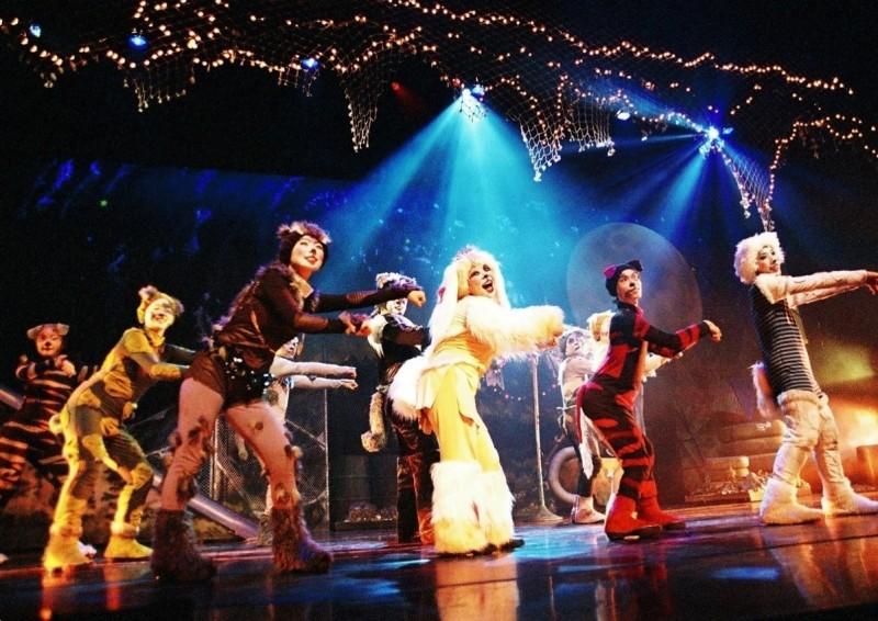 鴻海教育基金會防疫中「文藝復興」 贊助弱勢孩童千張藝文表演門票