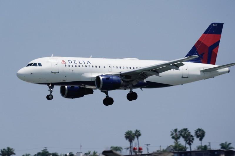 強制實施口罩令!達美航空:已拒載超過100名乘客
