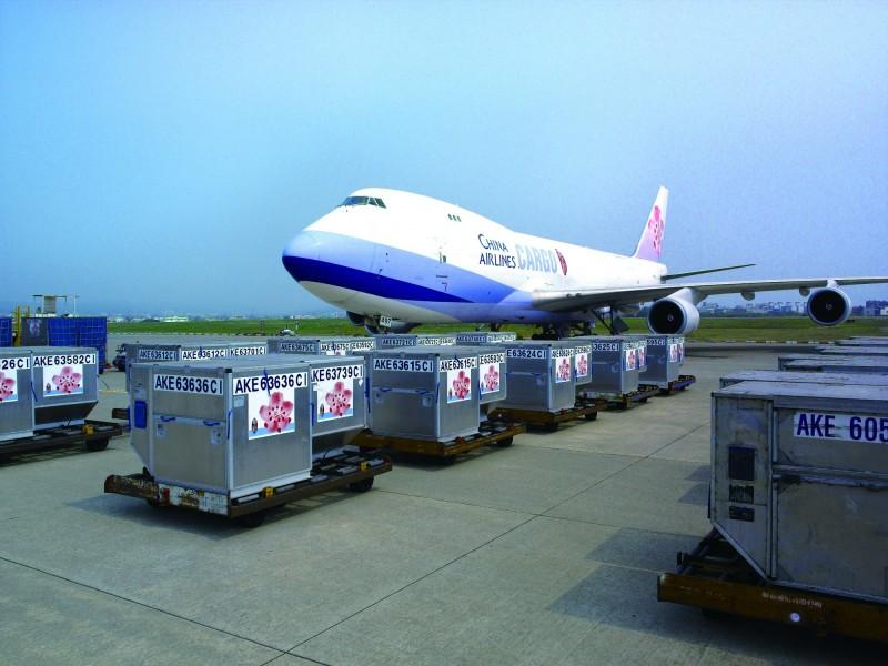 謝金河:華航Q2本業創新高 載貨比載人好賺