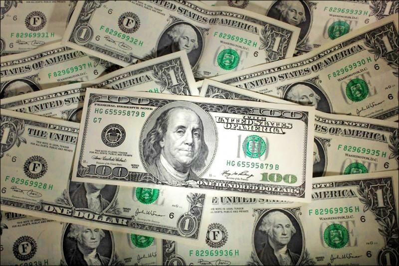 美元貶至新低 銀行紛推優利存款