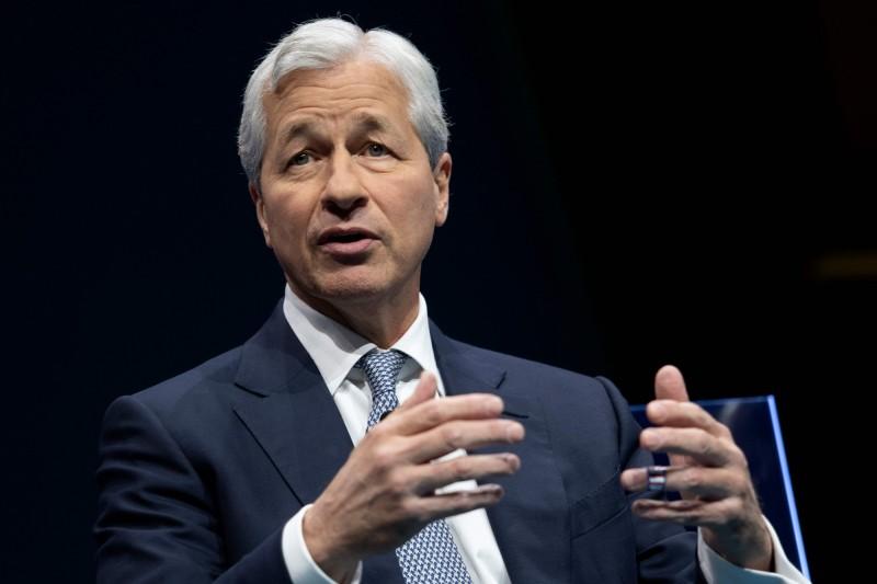 小摩執行長:股市無法反映美國人的痛苦