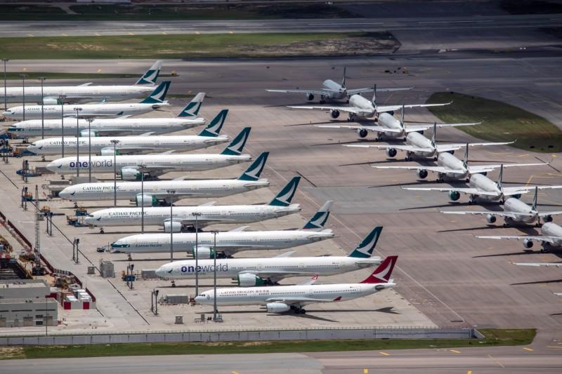 4月、5月每天只載500人  國泰航空上半年大虧近380億