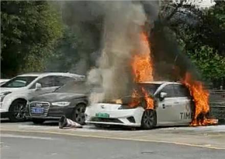 中國電動車自燃頻傳 疑電池出包「良率僅一半」