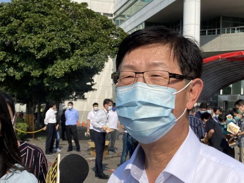 微軟與鴻海專利侵權案和解 劉揚偉:開展合作新契機