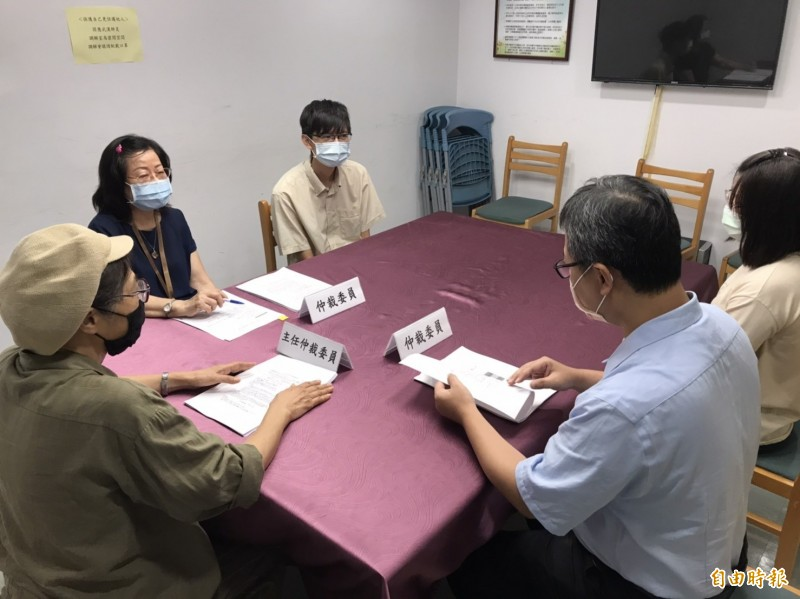 新北市政府勞工局今年受理仲裁案件較去年增加。(記者何玉華攝)