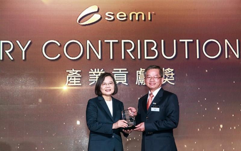 工研院3位主管獲總統頒發「SEMI產業貢獻獎」