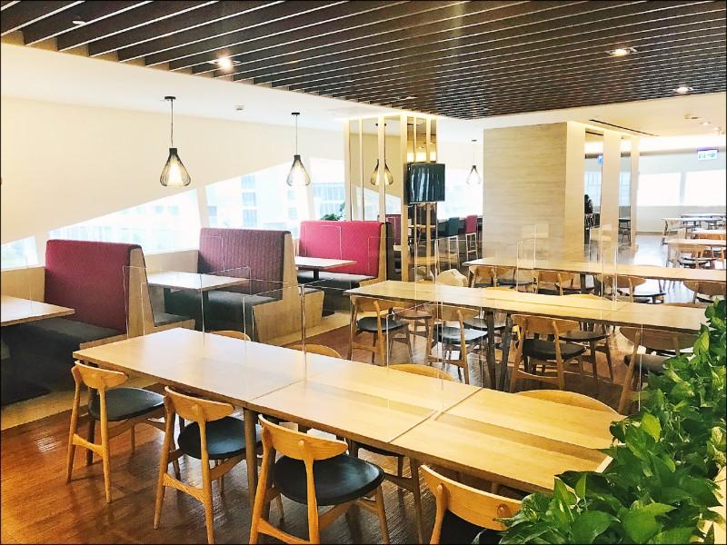 國內外不少企業員工餐廳媲美百貨公司的美食街。(資料照)