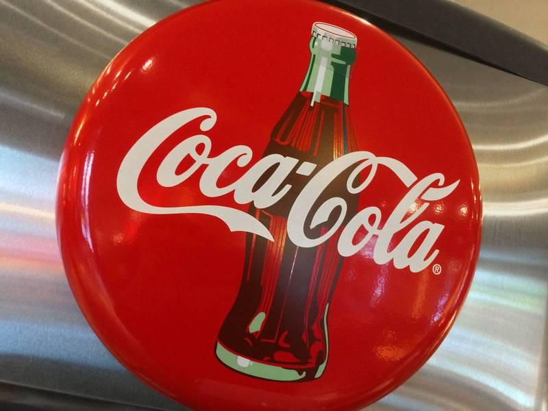 可口可樂公司(Coca Cola)計畫全球裁員2200人,其中在美國裁員1200人。(法新社)