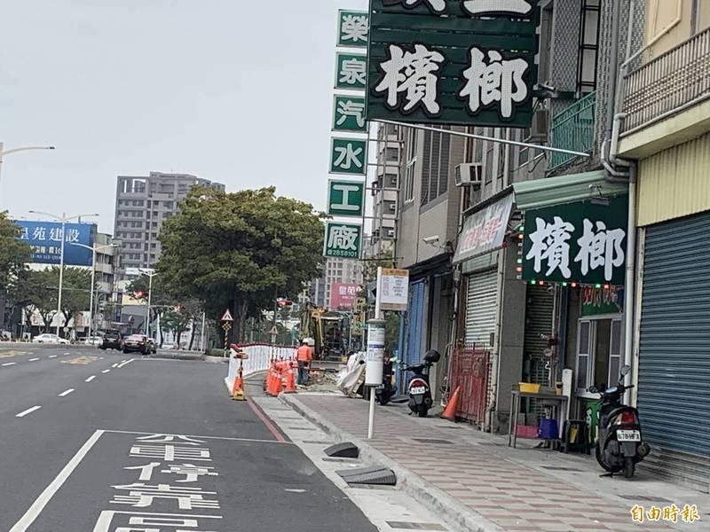 榮泉彈珠汽水立足高雄60年 停車問題面臨經營困難