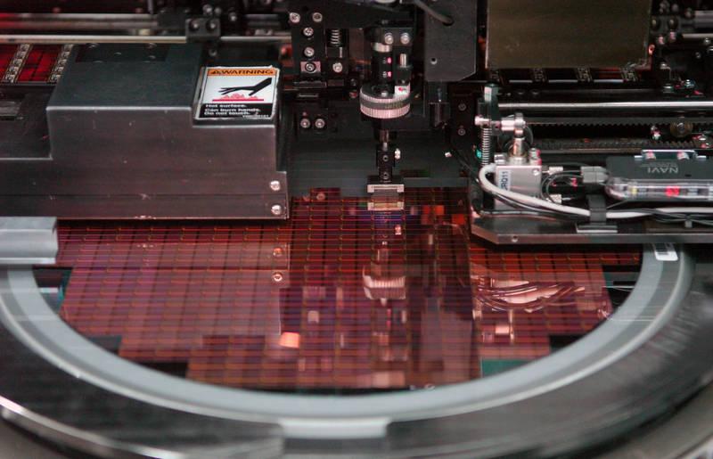 不只中國搶!二手、老式晶片設備大缺貨 成熟製程產能難擴張