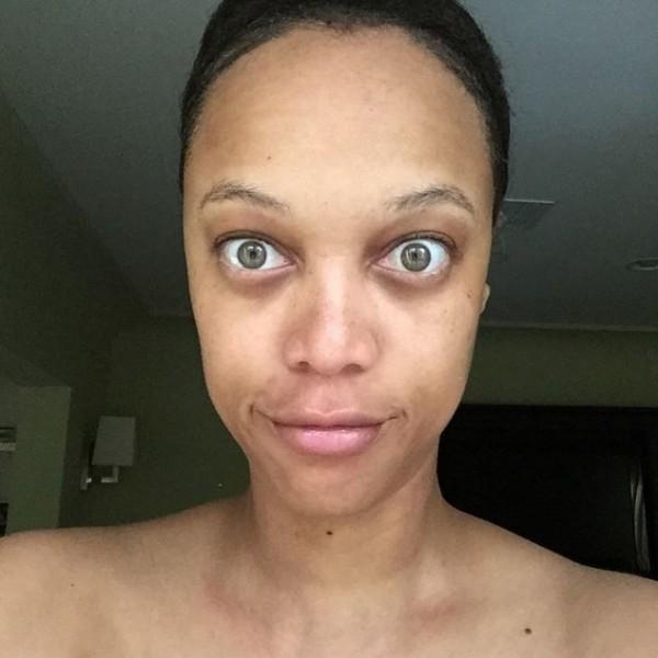 這才叫素顏!超模泰拉卸妝嚇翻網友