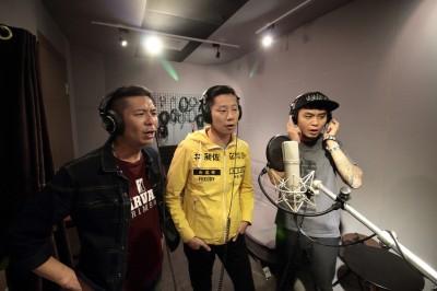 (有片)林昶佐feat.楊大正 被拱當場「吼」一下