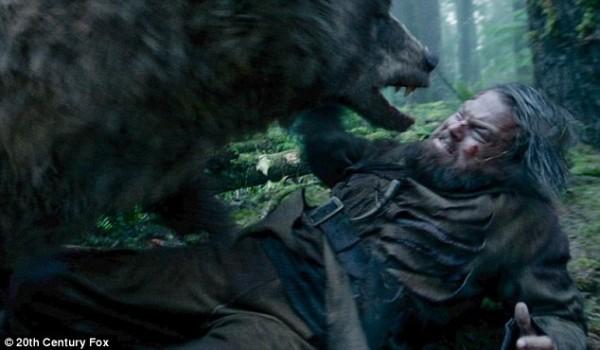 為戲被熊硬上? 李奧納多這麼解釋…