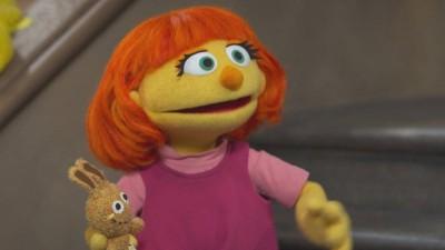 芝麻街大創舉!首度加入自閉症新角色玩偶