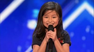 9歲女童登美才藝節目展歌喉 《鐵達尼》名曲驚豔全球