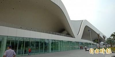 衛武營開幕 建築師法蘭馨:高雄最嶄新前衛的客廳,與高雄港相輝映