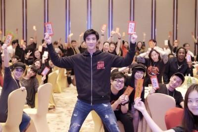 王力宏「龍的傳人」票房破10億 大手筆發紅包慰勞團隊