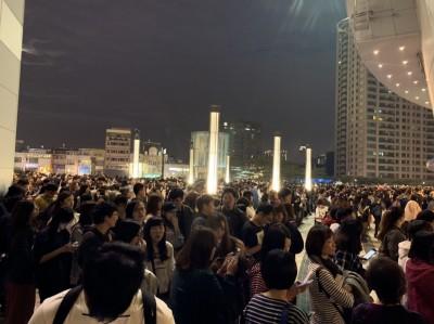 蕭敬騰高雄開唱開放退票 粉絲一頭霧水擠門口