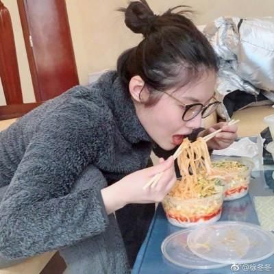 才剛被求婚...「中國第一美胸」驚患暴食症  體重飆破63KG