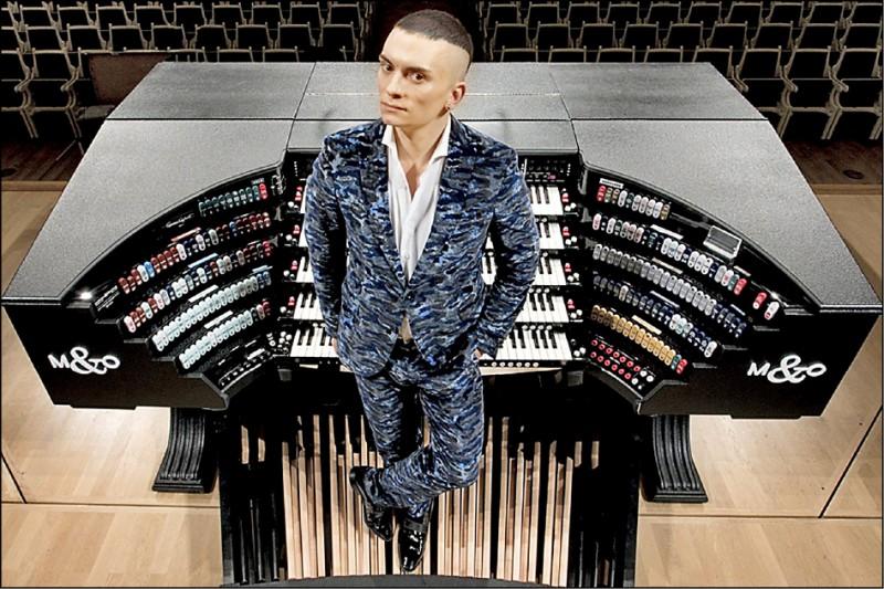 管風琴之王卡麥隆高雄加場 衛武營加碼演奏巴哈名曲
