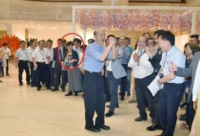 韓國瑜發大財 崩壞高美館館長專業形象