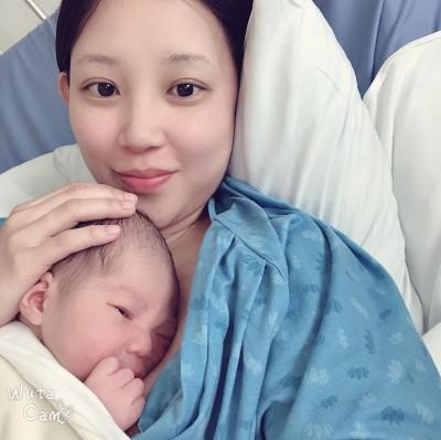 恭喜!美女主播再得一子 10分鐘火速產下520寶寶