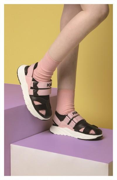 運動涼鞋變時尚   一定要搭這一樣