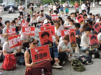 名嘴要台灣人牢記 「錯信共產黨,未來火葬場」