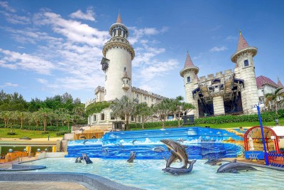 遠雄海洋公園海豚3D戲水池   與海豚歡樂一夏