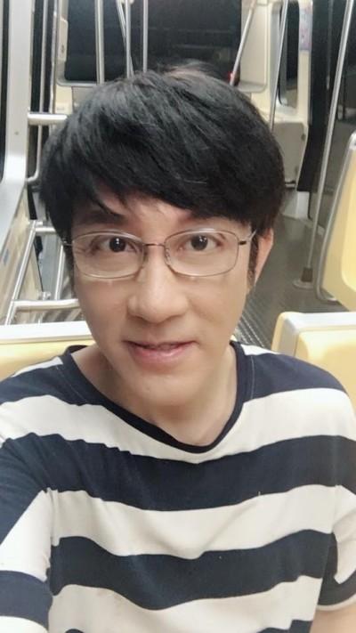 江明學曾直播賣唱 控制體態期待再爆紅