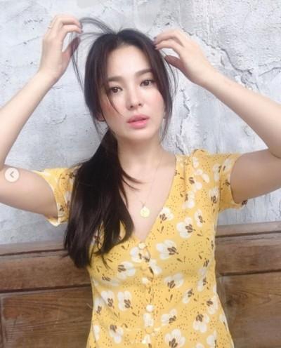 宋慧喬遭造型師出賣 V領低胸豔后妝曝光!