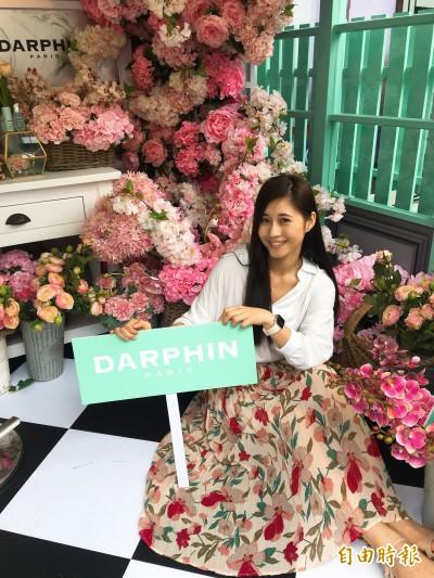 網美街拍新地標    巴黎粉紅花店現身街頭拍照打卡就送好禮
