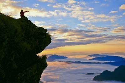 美呆了!泰北霧海美景迷人 白雲環抱好夢幻