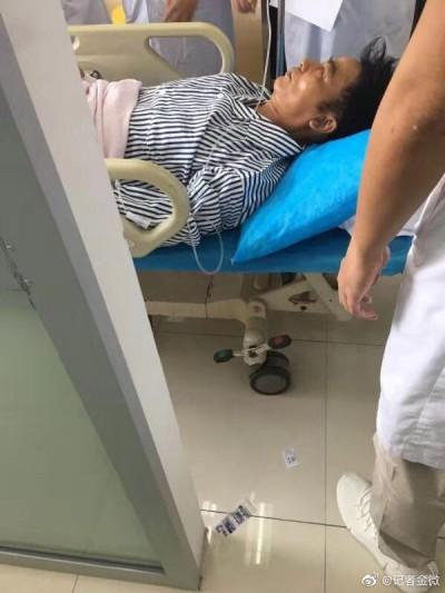 任達華遭捅滿手血 就醫躺病床畫面外流
