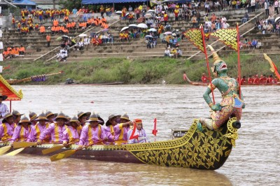 傳統長船比賽  感受泰式文化