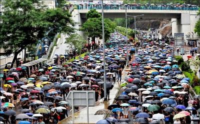 反送中》香港民陣流水式集會 他驚曝不能說的秘密