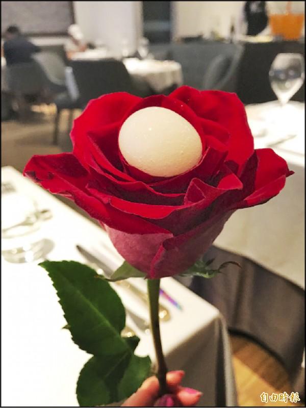 【消費新聞】鹽之華法式熱情 紅玫瑰是開胃小點