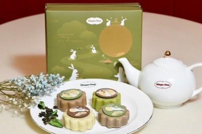 巧克力脆皮融入玄米茶、焙茶 這款冰淇淋月餅吃得到茶香