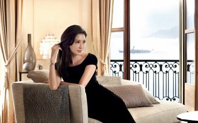 林志玲和老公戴情侶錶 超級放閃