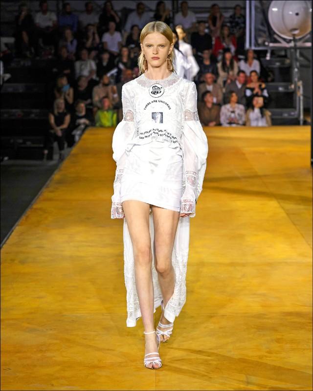 2020春夏倫敦時裝週 Burberry進化宣言