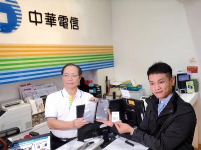 iPhone 11今開賣!全台最狂果粉是他  排6天免費多拿一台