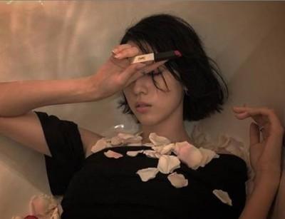 周杰倫《說好不哭》MV女主角  長腿雪乳正翻就愛乾柴烈火
