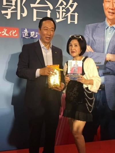 嗆韓當選就剁頭 資深女星驚爆哭著逼吳敦義換瑜