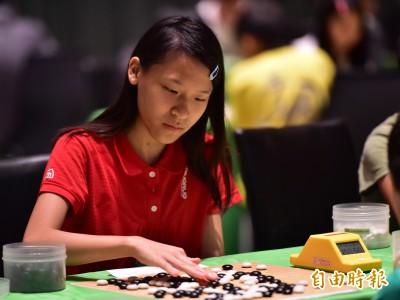 榮三盃》14年來首位女選手直攻全國學生棋王 粟睦蓉2子之差雖敗猶榮