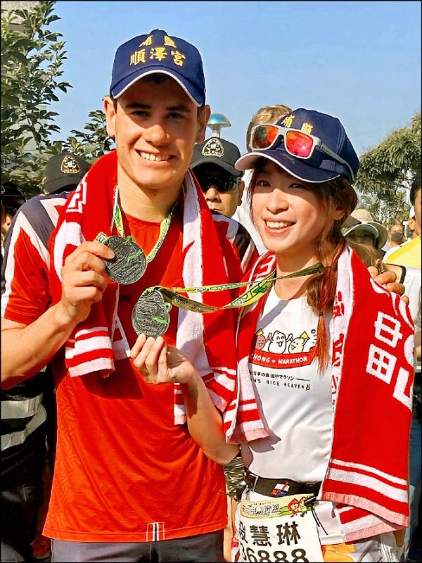 段慧琳陪跑世界三鐵冠軍 秒變小粉絲