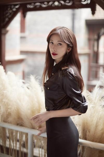林志玲愛相隨AKIRA 婚紗穿這牌?