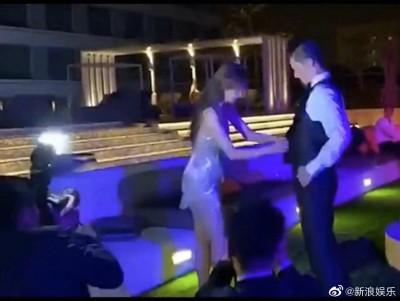 林志玲派對0修圖辣照流出 爆乳激裸大腿根…下身看光光