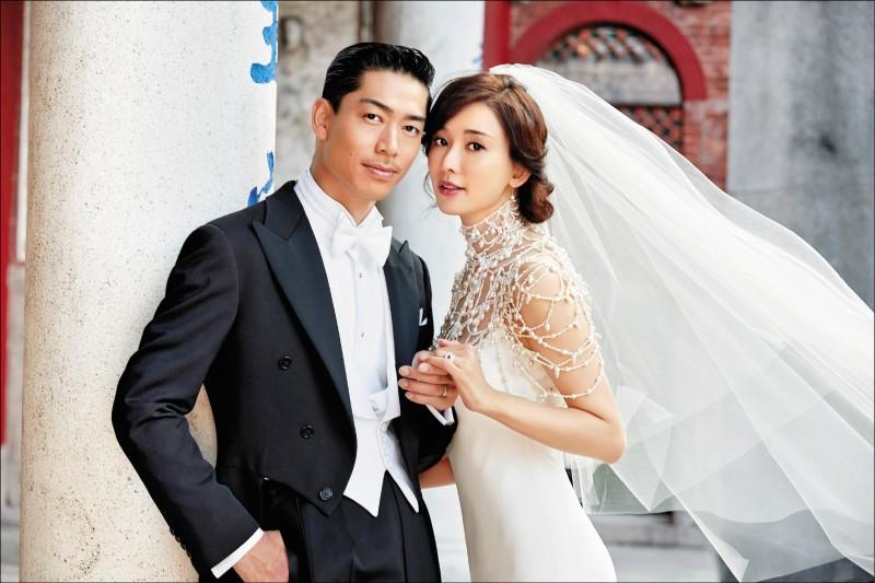 林志玲世紀婚禮 婚紗鏤空露香肩