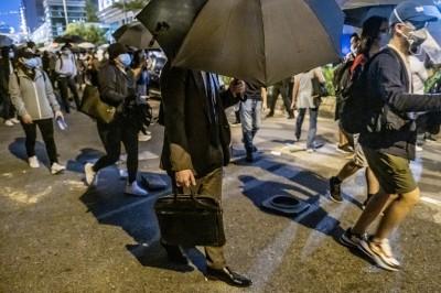 (影音)香港臨浩劫 39年前羅文一首歌神寓言