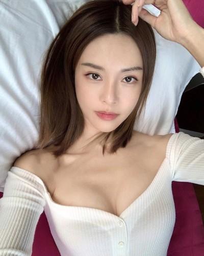 2019最後一張比基尼!鋼琴女神辣秀渾圓美尻 逆天曲線掀暴動